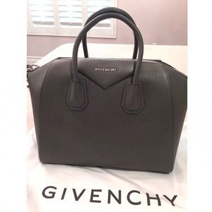 Givenchy Antigona Medium